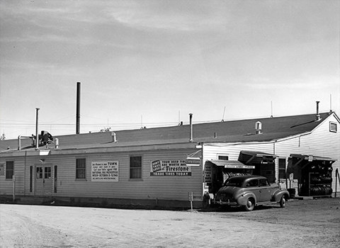 Metzgers Hardware Storefront in 1947